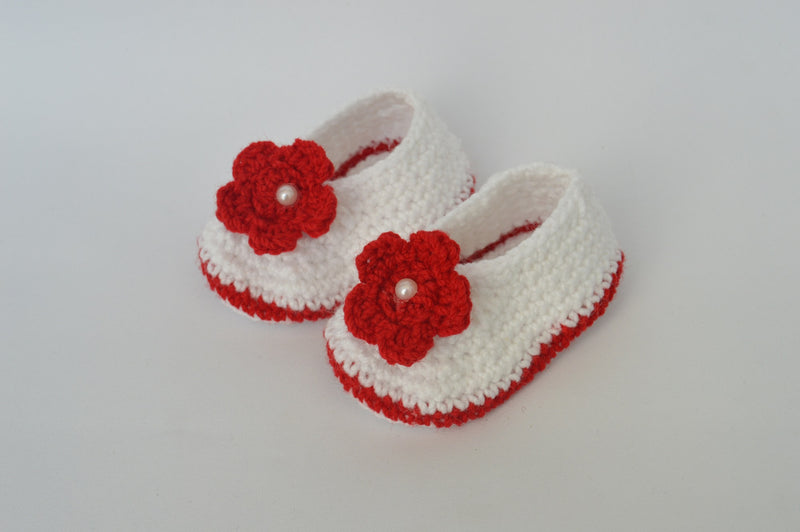Love Crochet Art White and Red Knitted Flower Booties