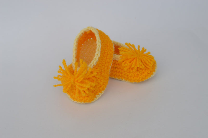 Love Crochet Art Orange Knitted Flower Booties
