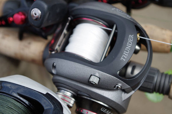 How to use a baitcaster reel?