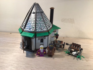 Pre-owned LEGO® 4707, Hagrid's Hut with Dumbledore and Hagrid