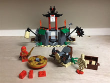 Load image into Gallery viewer, Lego Set 2254 -  Mountain Shrine