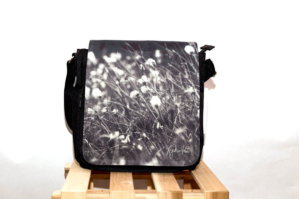 Bog cotton shoulder messenger bag