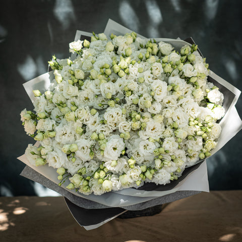 Contemporary  - White Lisianthus Bouquet
