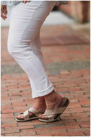 Kancan Curvy White High Rise Skinnies