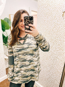 CURVY Long Sleeve Camo Criss Cross Top