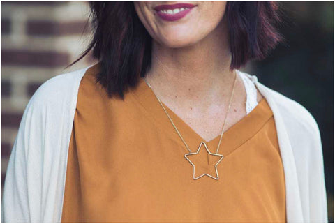 "Gold 16""-18"" Star Necklace"