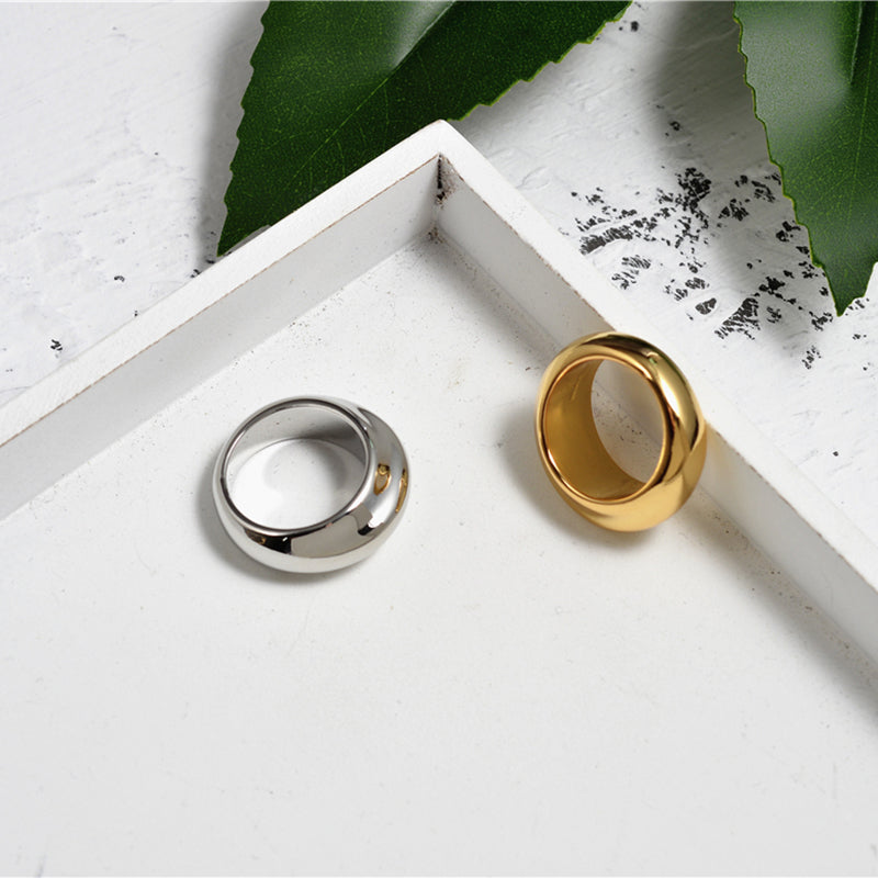 Simple Design Solid Circle Ring - CleoBLVD