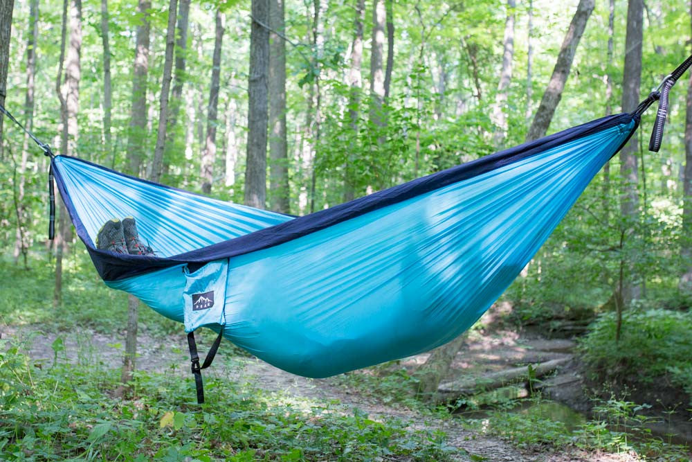 2 person camping hammock light blue navy   peak camping hammock 2 person camping hammock light blue navy  u2013 peak camping hammock  rh   peakcampinghammock