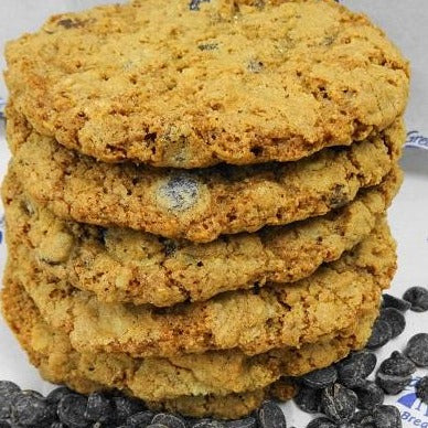 Giant Oatmeal Chocolate Chip Cookies (pick-up)