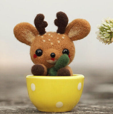 Teacup Series - Deer - DIY Felting Kit