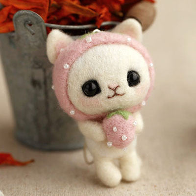 wool felting strawberry kitty cat DIY