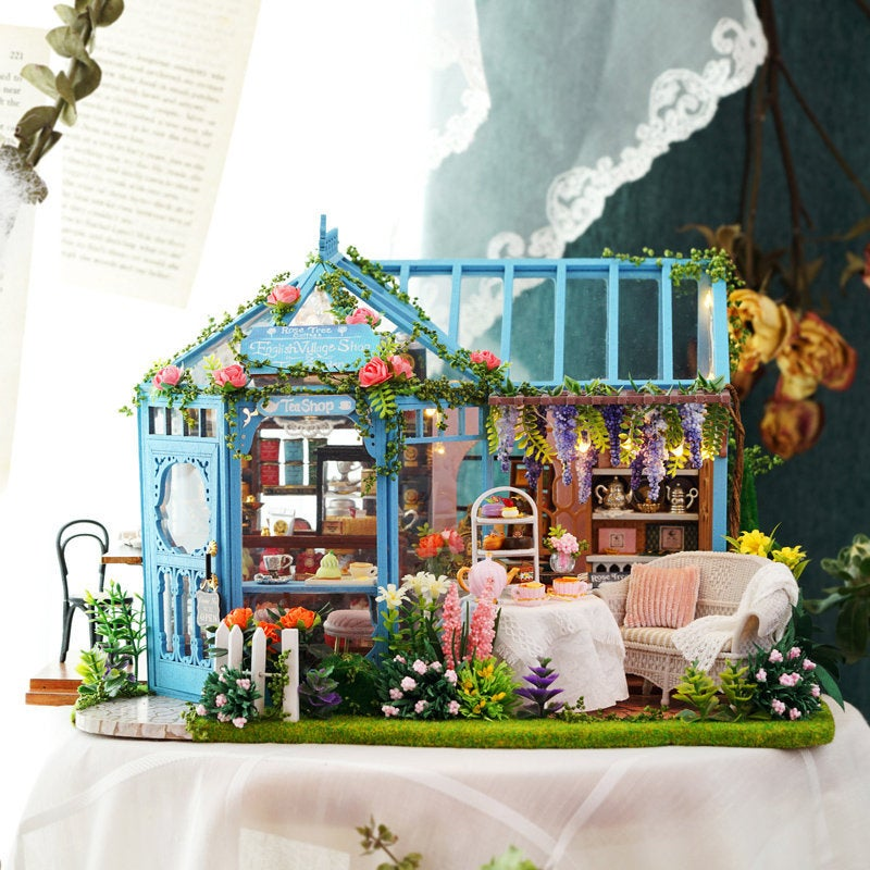 Rose Garden - 1:24 DIY Miniature Dollhouse Craft Kit