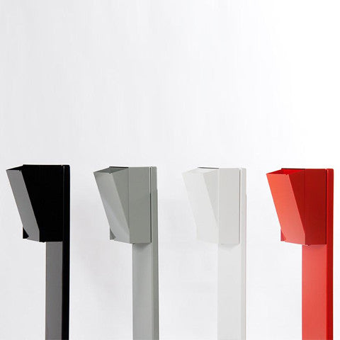 CASSON: a sturdy companion piece to the Lixht mailbox. This mailbox post comes in 4 finishes. Made in Canada.