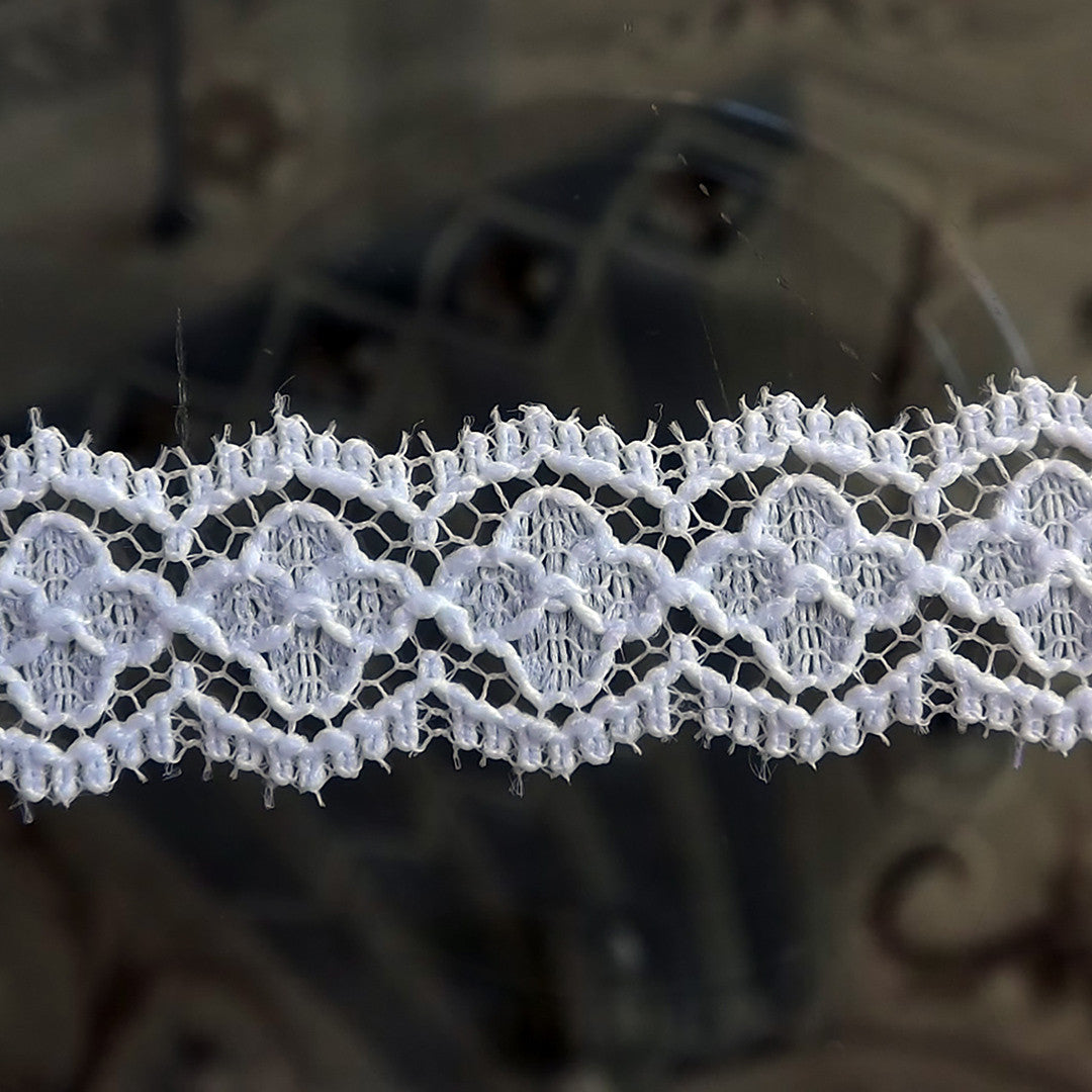 40 Yards Embroidered White Floral Scalloped Venice Cluny Lace 1/2