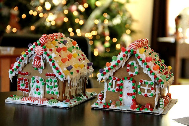 Chantilly Tea: Gingerbread House Decorating