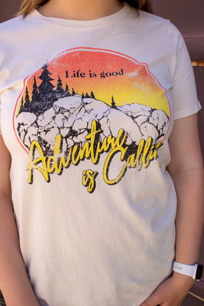 Graphic Tee - Life is good Adventure is Calling - Natural