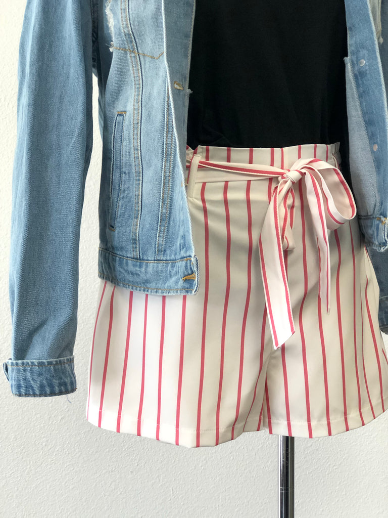 Stylish Shorts White + Pink