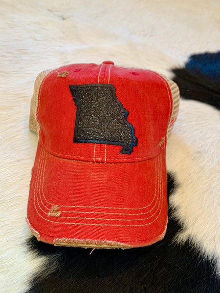 MO Glitter hat - black on red