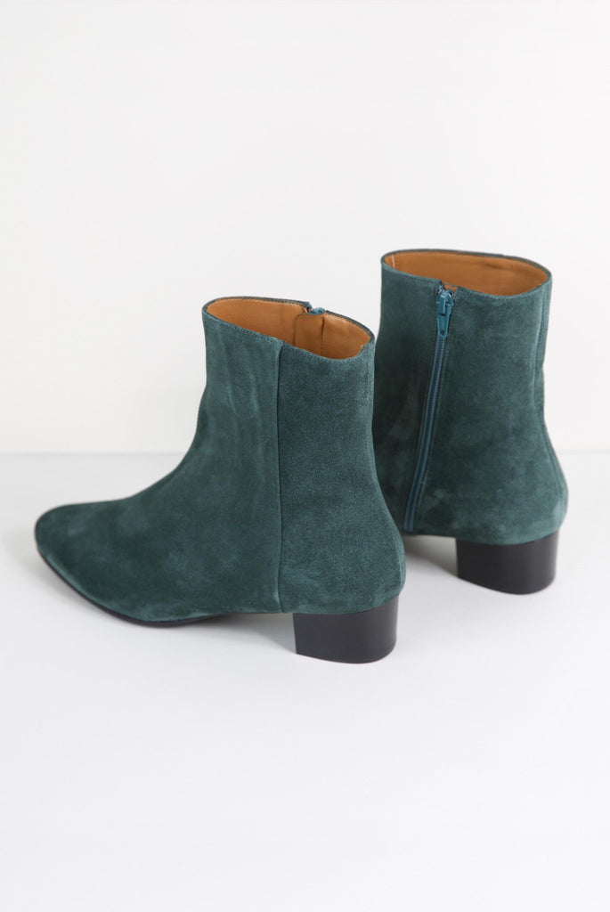 Michele Boots Pavone
