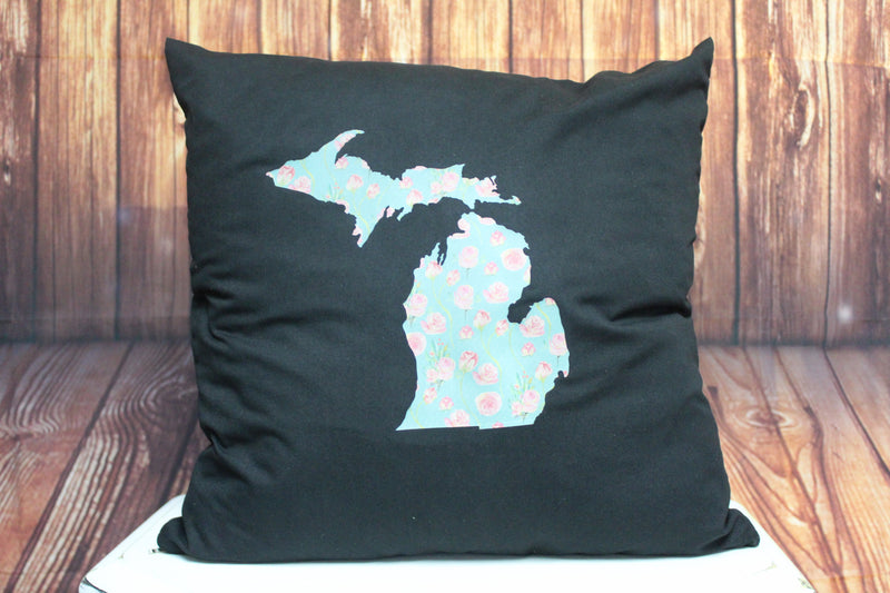 Throw Pillow (Floral Mitten) Black