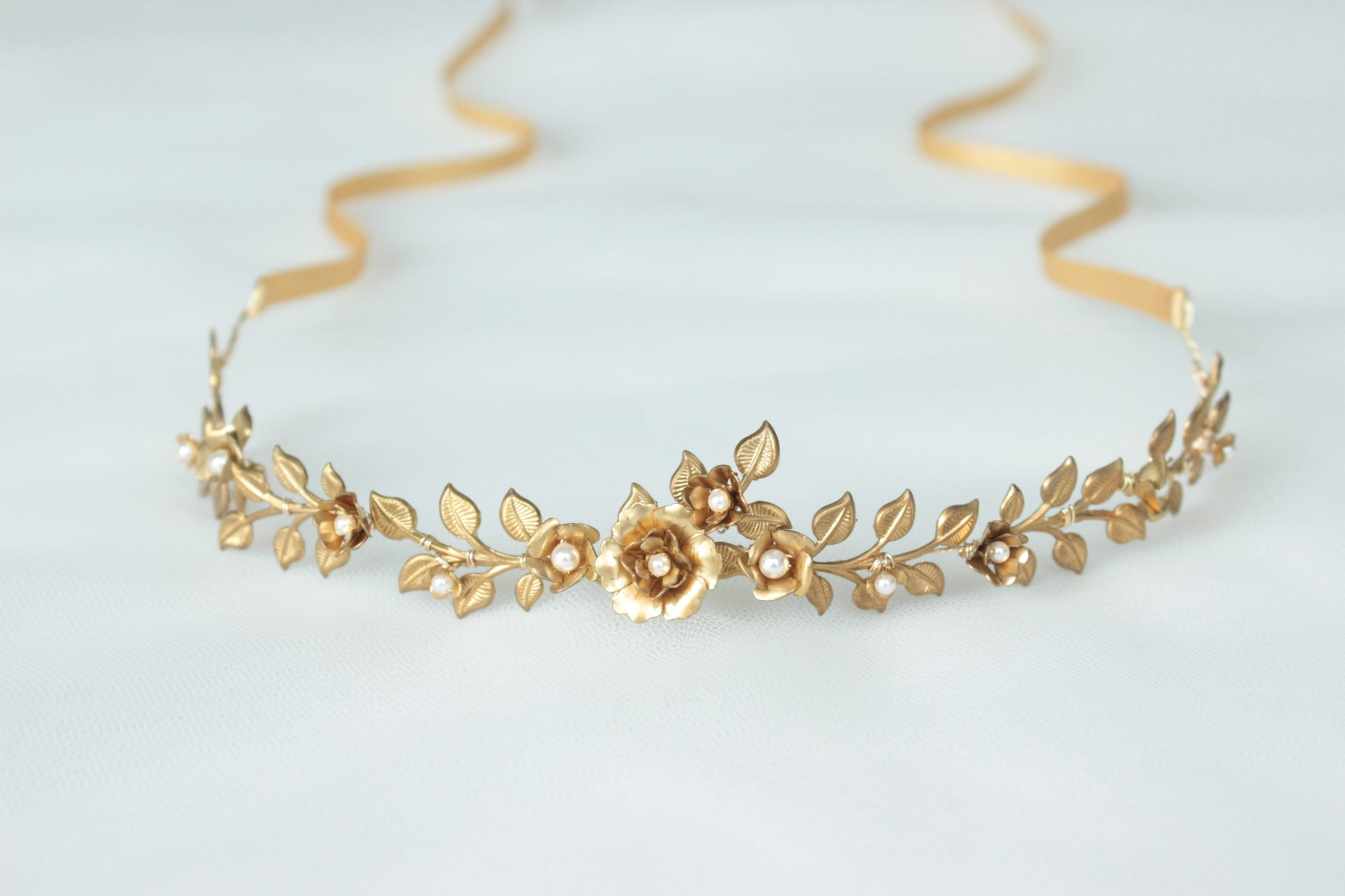 gold wedding headpiece, gold bridal headband, gold wedding circlet, gold forehead jewellery, forehead bridal headpiece, floral gold wedding headpiece