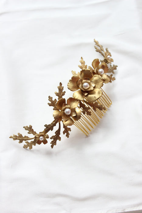 BLOOMING OAK | Gold Leaf Wedding Headpiece with Flowers & Pearl Accents