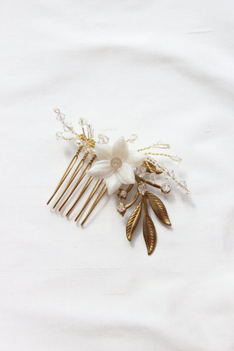 Simple Leaf Wedding Comb with Floral and Crystal details in Gold or Silver