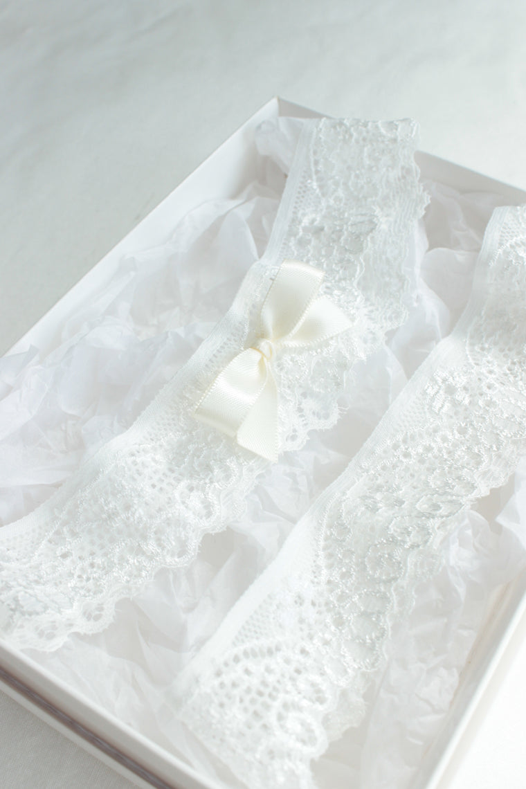 EMMA | Simple and Delicate Light Ivory Lace Wedding Garter Set - Will match all Wedding Dresses