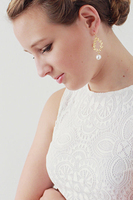 LAURELLA | Gold Leaf Bridal Earrings With Freshwater Pearls