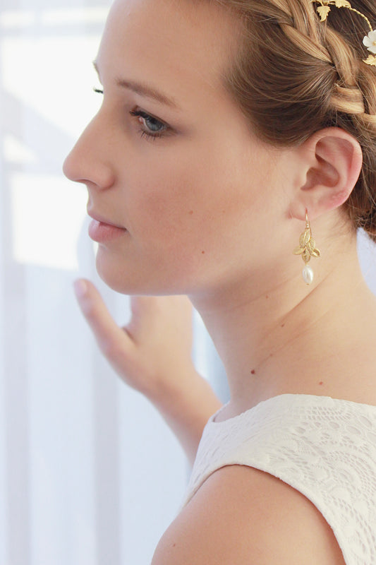 GAELA | Gold Leaf Pearl Bridal Earrings