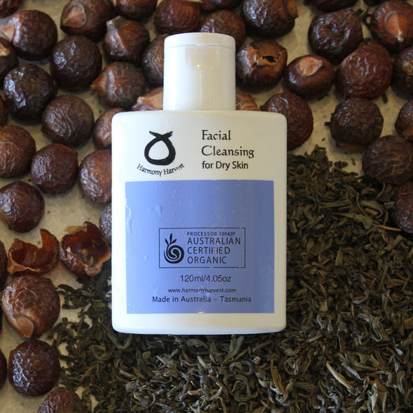 Organic Facial Cleansing for Dry Skin
