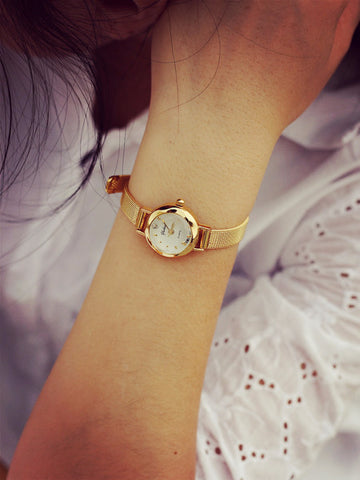 Elegant Beautiful Simple Gold Watch