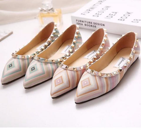 Stylish Point Toe Rivet Casual Flats
