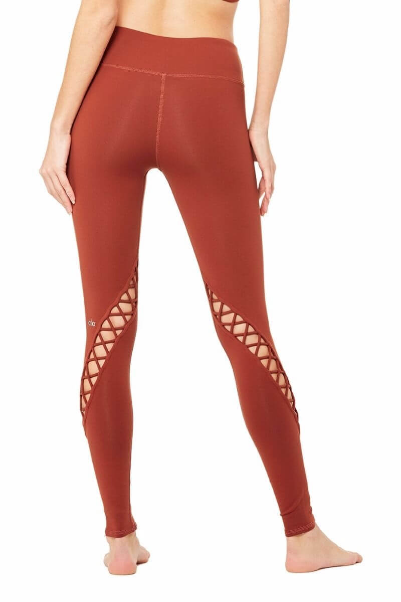 SEA YOGI Entwine legging in Amber by Alo, Yoga Shop in Palma de Mallorca, back