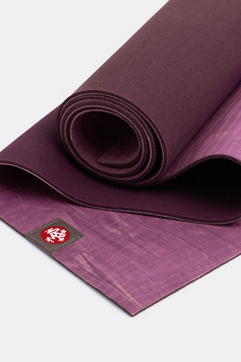 SEA YOGI // Kaafu eko Lite Yoga mat in 4mm by Manduka, Tienda de Yoga Online, close up
