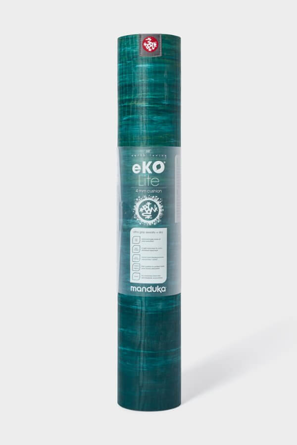 SEA YOGI // Thrive Marbled Ekolite Yoga mat in 4mm by Manduka, standing
