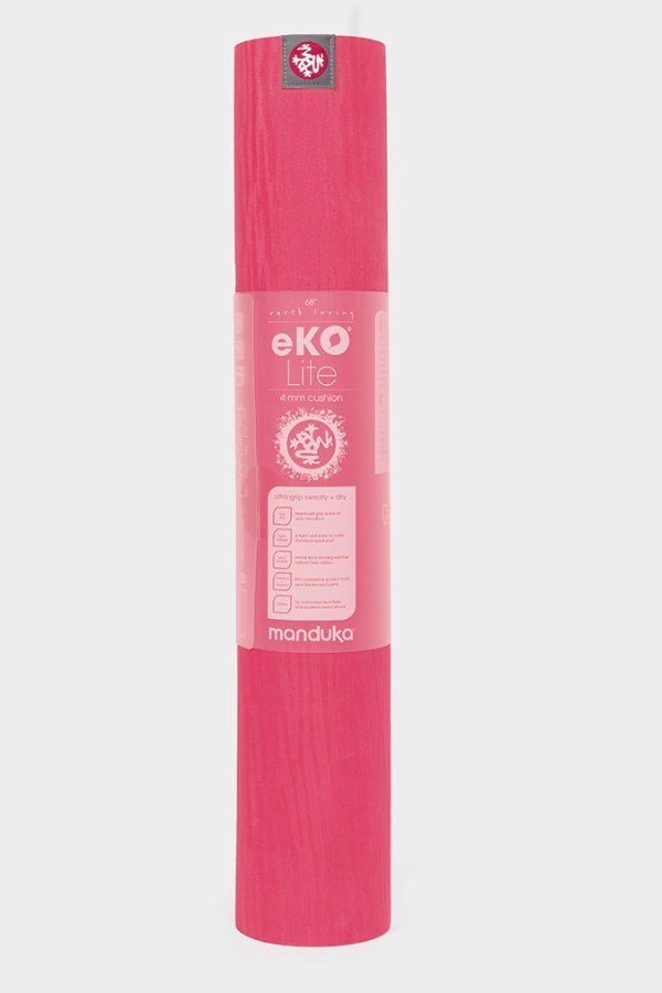 SEA YOGI // Esperance Eko Yoga mat in 4mm by Manduka, standing