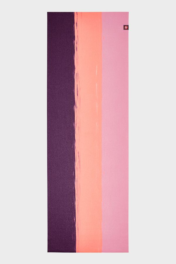 MANDUKA // EKO SUPERLITE TRAVEL YOGA MAT - 1kg - FUCHSIA STRIPE