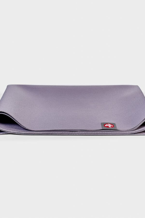 SEA YOGI // Manduka eKO SuperLite Yoga mat, 1kg Hyacinth, close up image