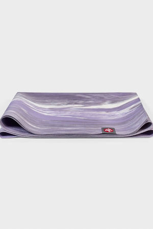 SEA YOGI // Manduka eKO SuperLite Yoga mat, 1kg Hyacinth Marbled, full