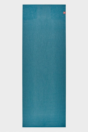 SEA YOGI // Manduka eKO SuperLite Yoga mat, 1kg Bondi Blue, full