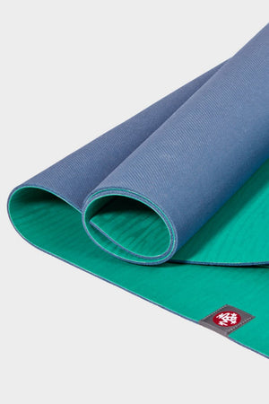 SEA YOGI // KYI Eko Yoga yoga mat in 4mm by Manduka, zoom