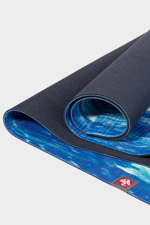 SEA YOGI // Kyanite Eko Yoga yoga mat in 4mm by Manduka, zoom