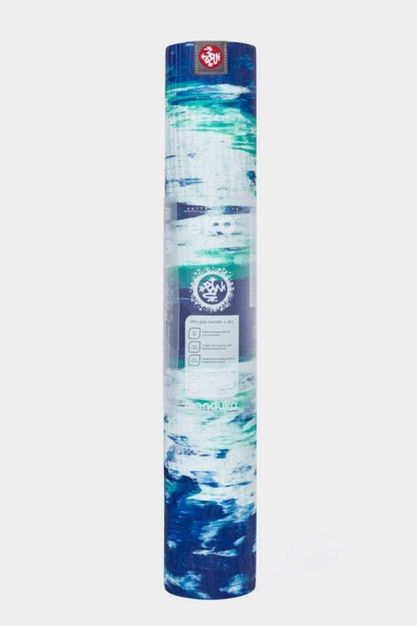 SEA YOGI // Kyanite Eko Yoga yoga mat in 4mm by Manduka, standing