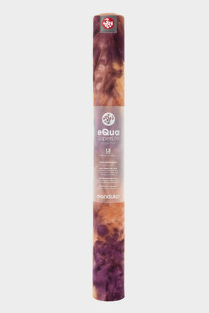 SEA YOGI // Grateful eQUA Superlite travel yoga mat by Manduka, 1kg, Yoga online shop, standing