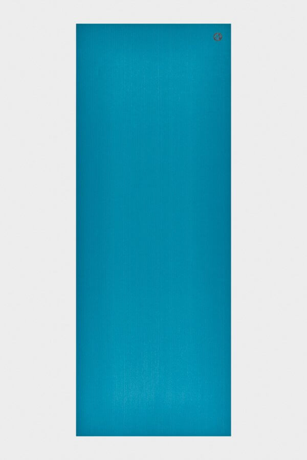 SEA YOGI // Manduka Pro Yoga Mat Bondi Blue in 6mm, full