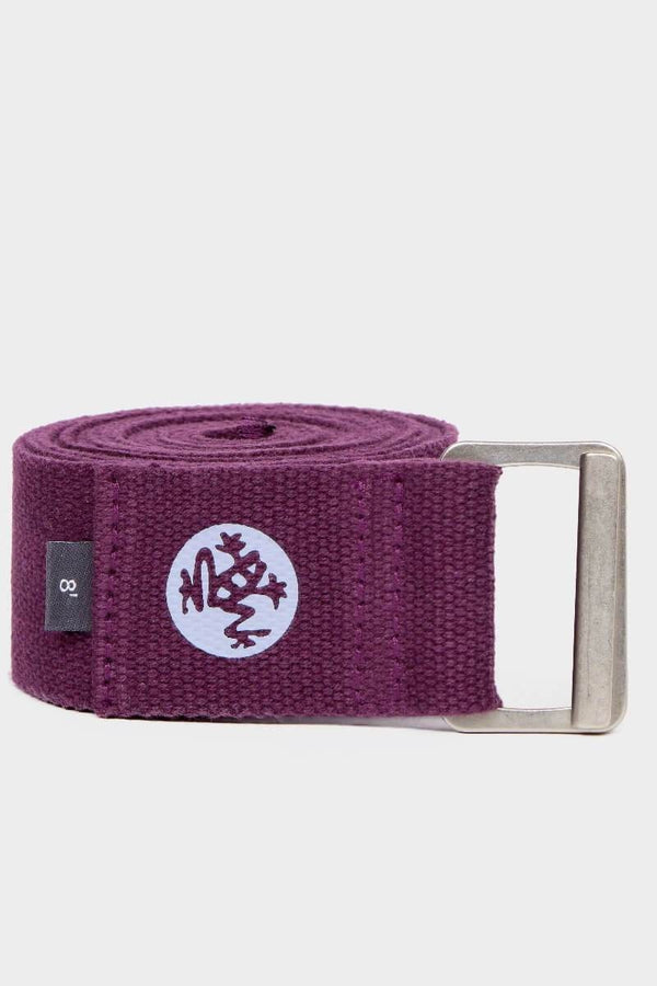 SEA YOGI // Manduka align Yoga Strap in Verve, rolled up