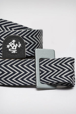 SEA YOGI // Manduka Go Move Mat carrier en negro, logo