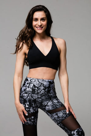 SEA YOGI Stunning bra in Black by Onzie, Yoga Shop in Palma de Mallorca, front