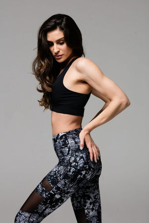 SEA YOGI Stunning bra in Black by Onzie, Yoga Shop in Palma de Mallorca, left